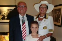 Ambasadori-i-Nderit-me-Familjen-e-tij-10