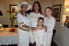 Ambasadori-i-Nderit-me-Familjen-e-tij-15