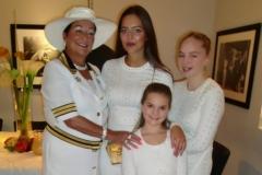 Ambasadori-i-Nderit-me-Familjen-e-tij-16