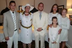 Ambasadori-i-Nderit-me-Familjen-e-tij-17
