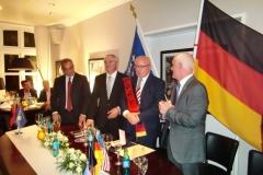 Dhurata-e-Ambasadorit-Shalli-i-Kosoves-13