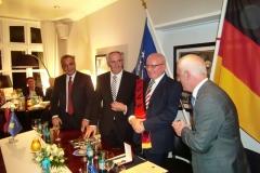 Dhurata-e-Ambasadorit-Shalli-i-Kosoves-7