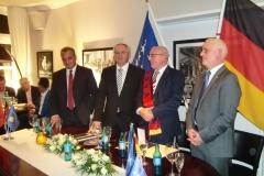Dhurata-e-Ambasadorit-Shalli-i-Kosoves-9